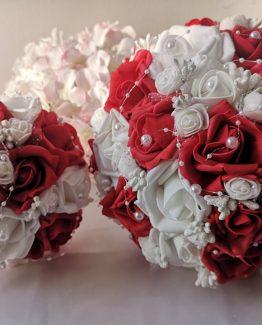 Букети от изкуствени цветя